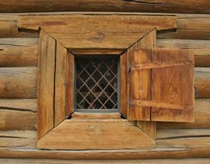 Рис.10. Косящное окно. Архитектурно-этнографический музей «Тальцы».