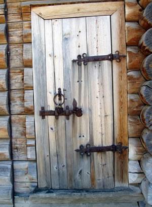 Рис.11. Дверь. Архитектурно-этнографический музей «Тальцы».